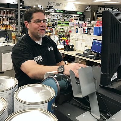 Benjamin Moore Expert at computer station in Canton store